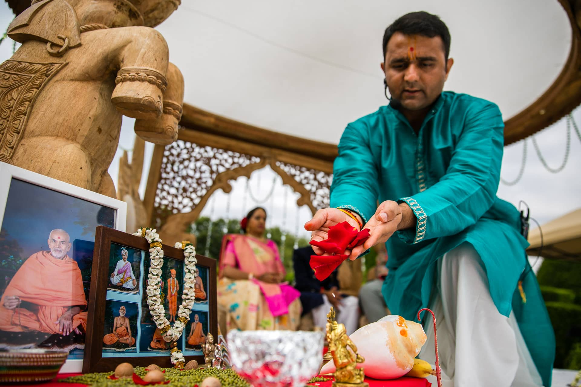 Hindu Wedding ceremony conducted by Milan Mehta