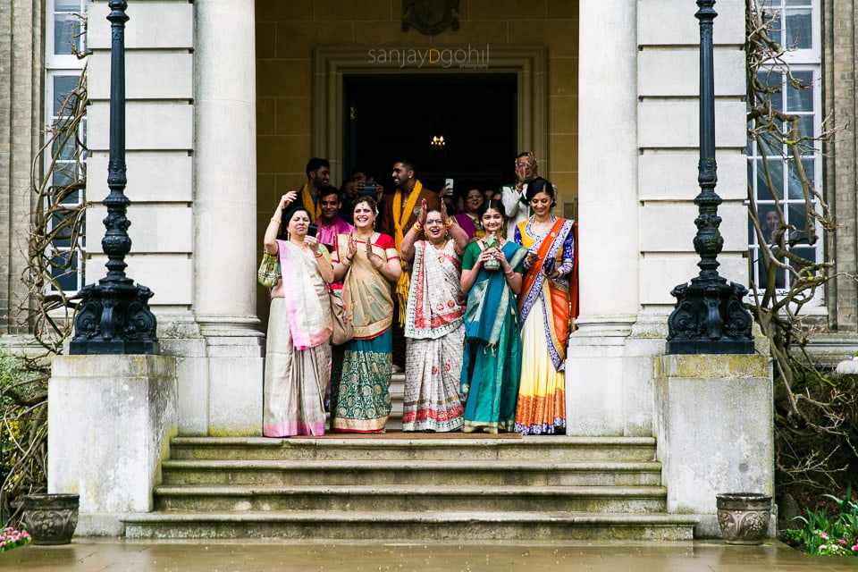 Bridal wedding party at hedsor house
