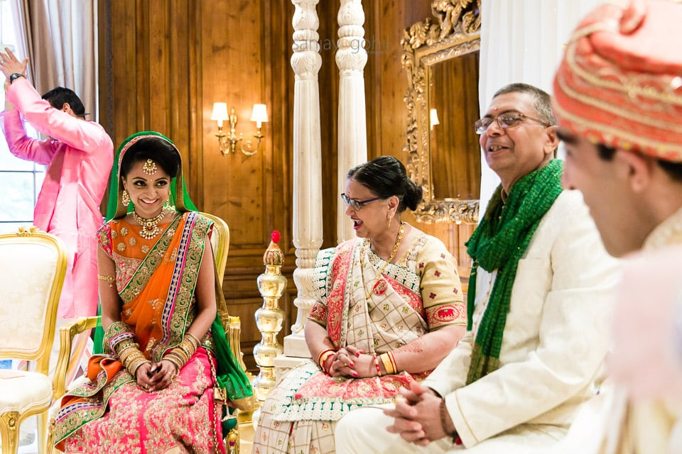 Bride seeing groom for the 1st time