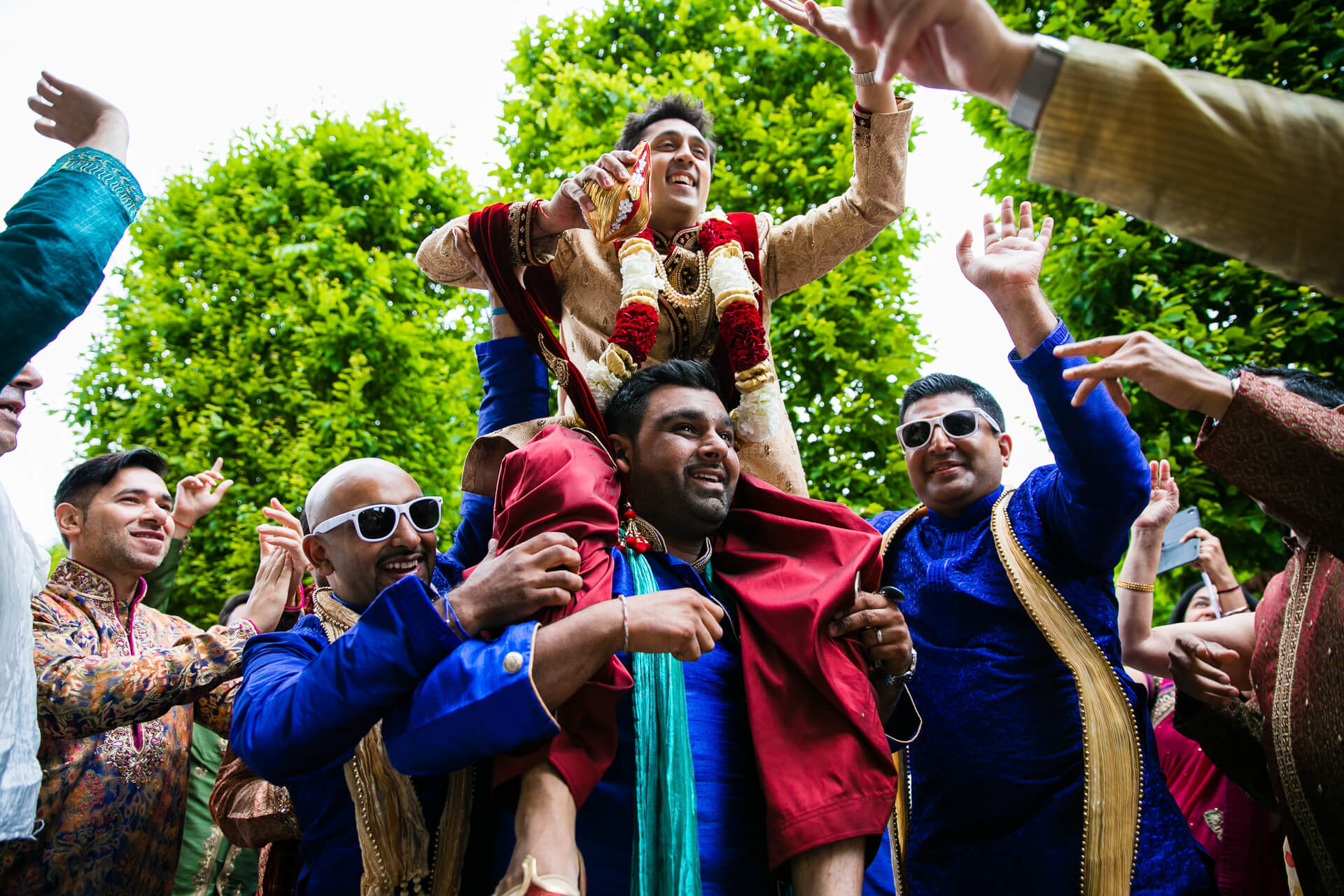 Groom's arrival to Hindu wedding