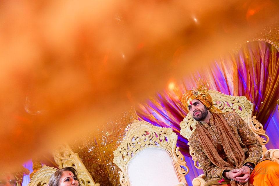 Gujarati wedding groom under the antaphat