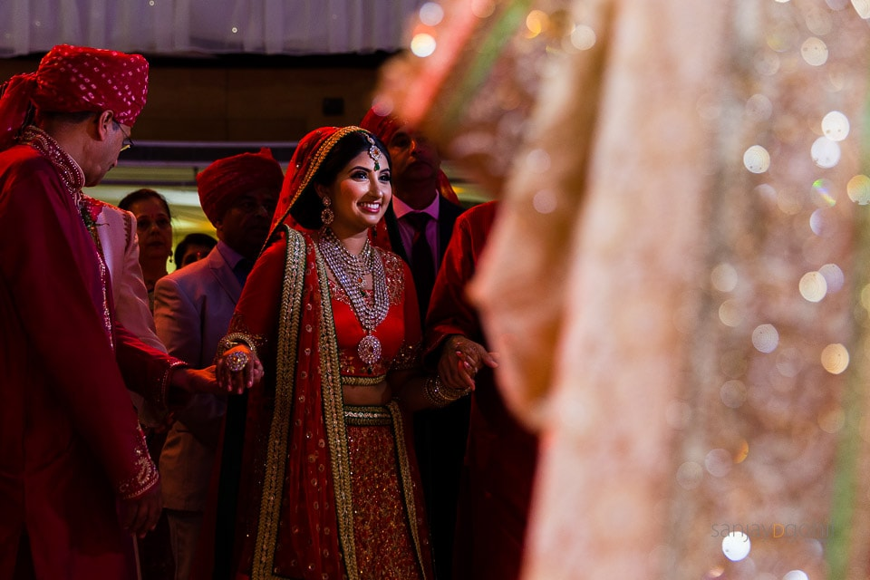 Arrival of hindu wedding bride