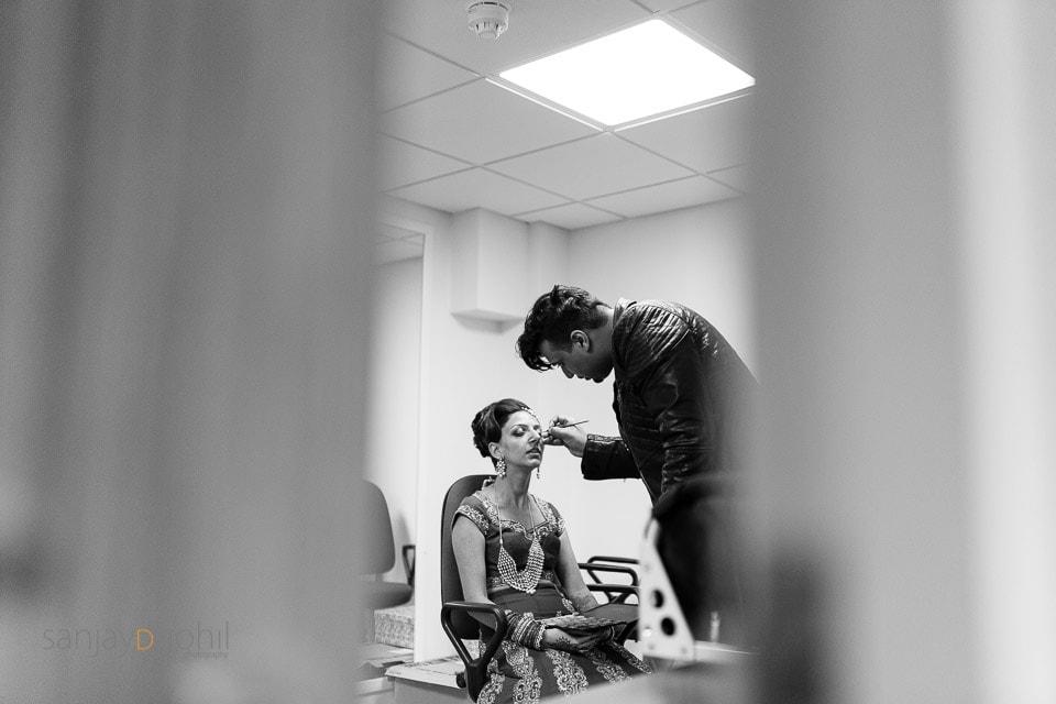 Asian Bride getting ready - jawaad ashraf