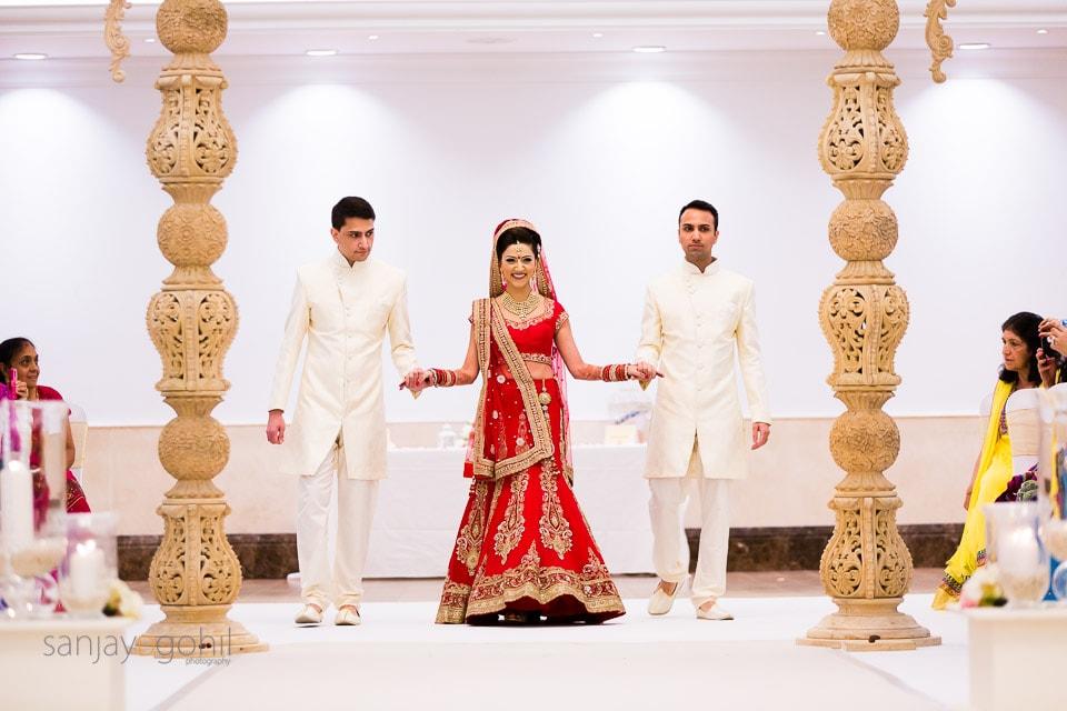 Hindu Wedding Bride arriving