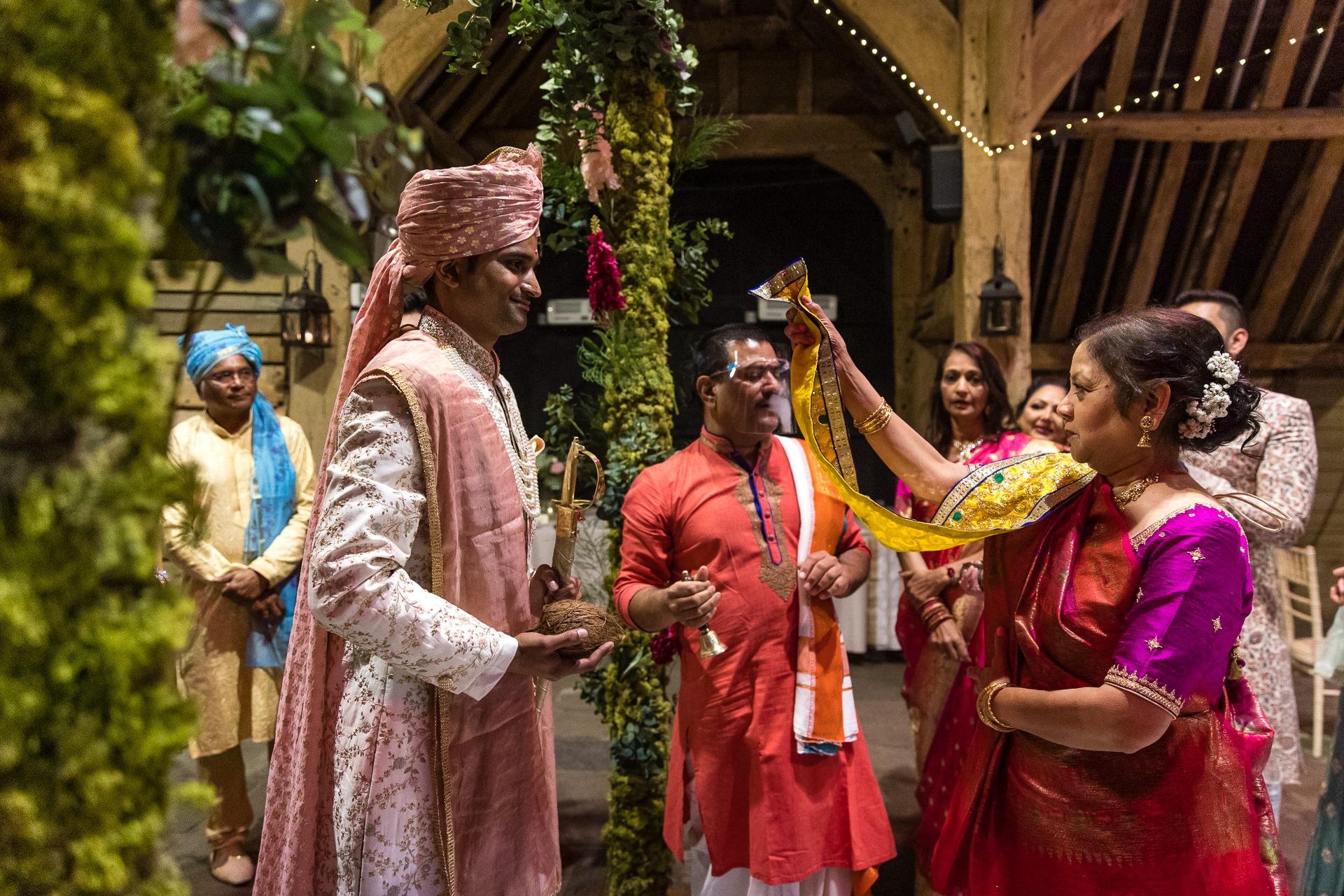 Gujarati wedding welcoming ceremony