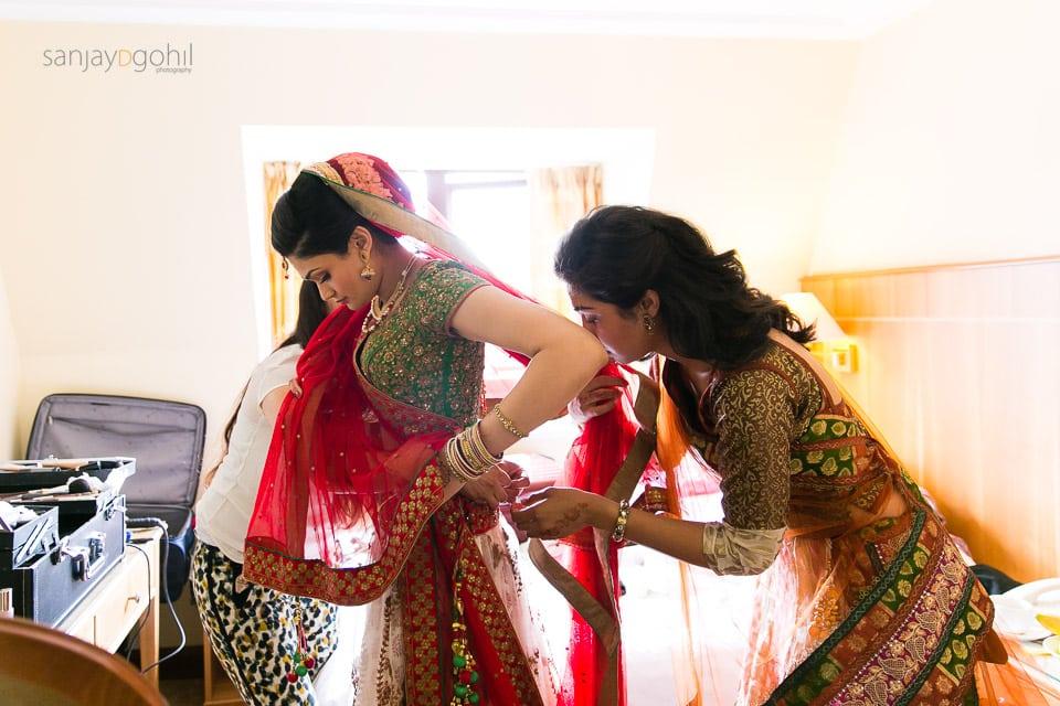 Gujarati Hindu Bride getting ready