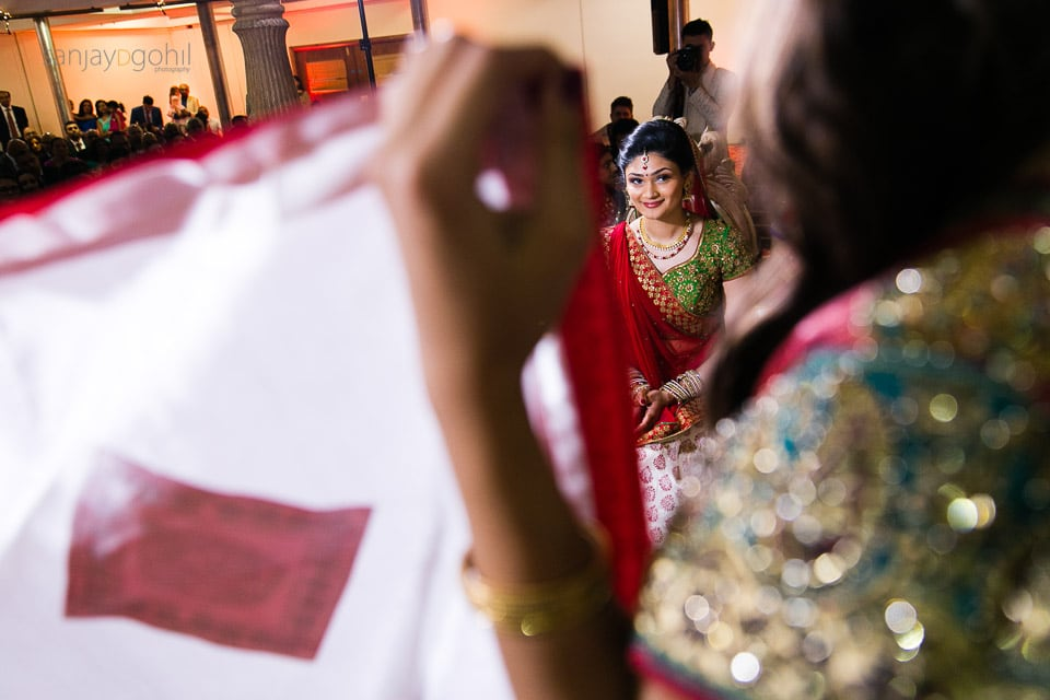 Hindu Bride behind the antaphat