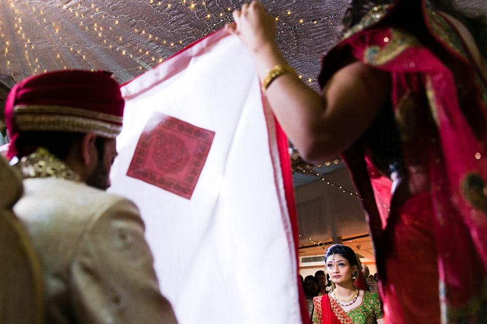 Hindu Bride behind the antaphat