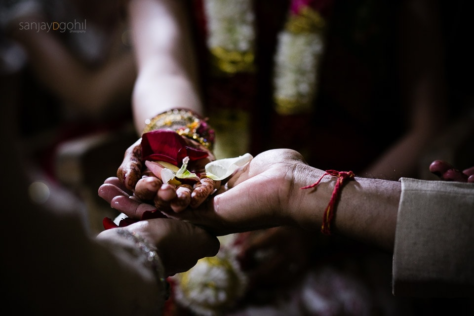 Closeup of hands during Kanyadhan ceremony