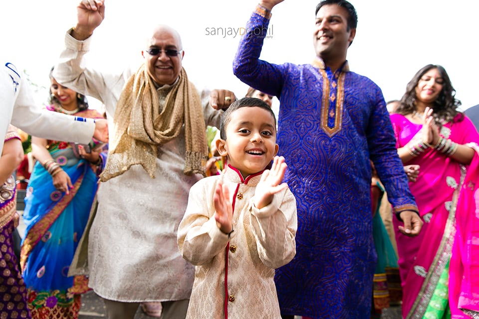 Hindu wedding groom arrival ceremony
