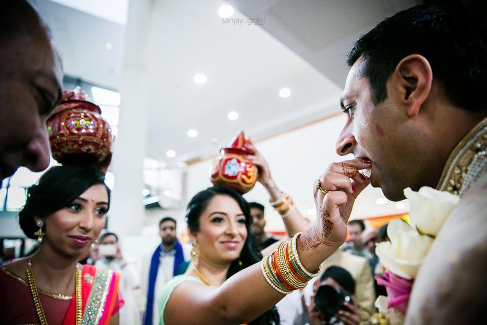 bride of the sister feeding groom