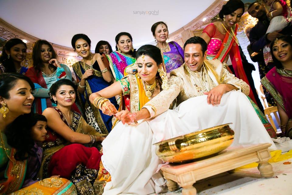 Bride and groom during koda kodi game