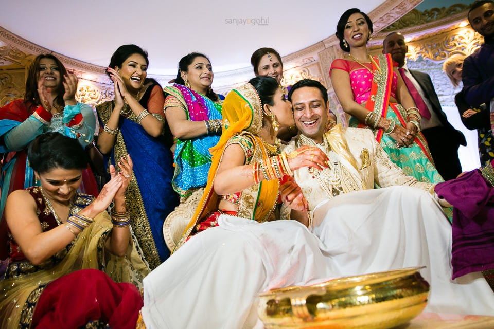 Bride and groom during koda kodi game