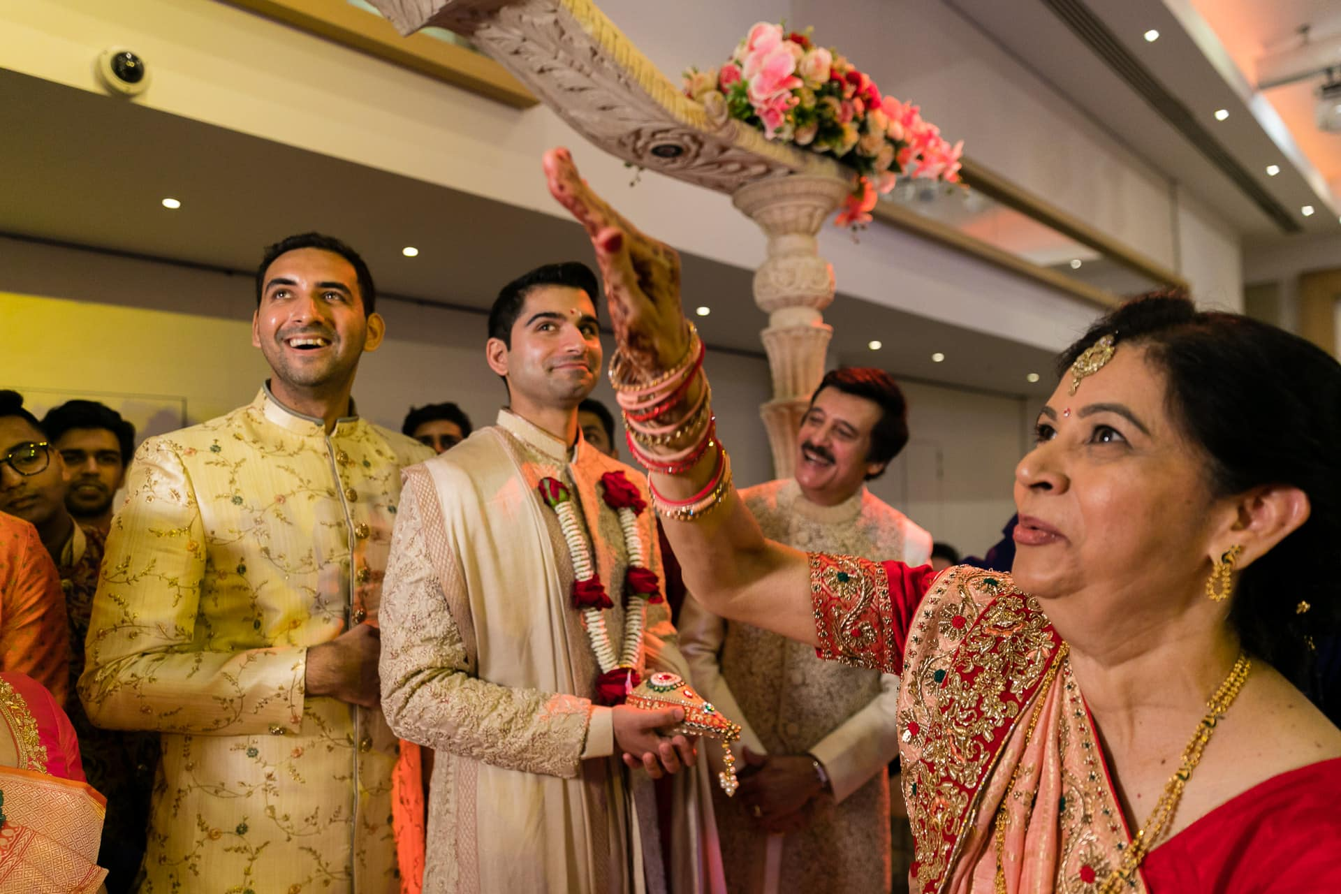Gujarati wedding welcoming ceremony