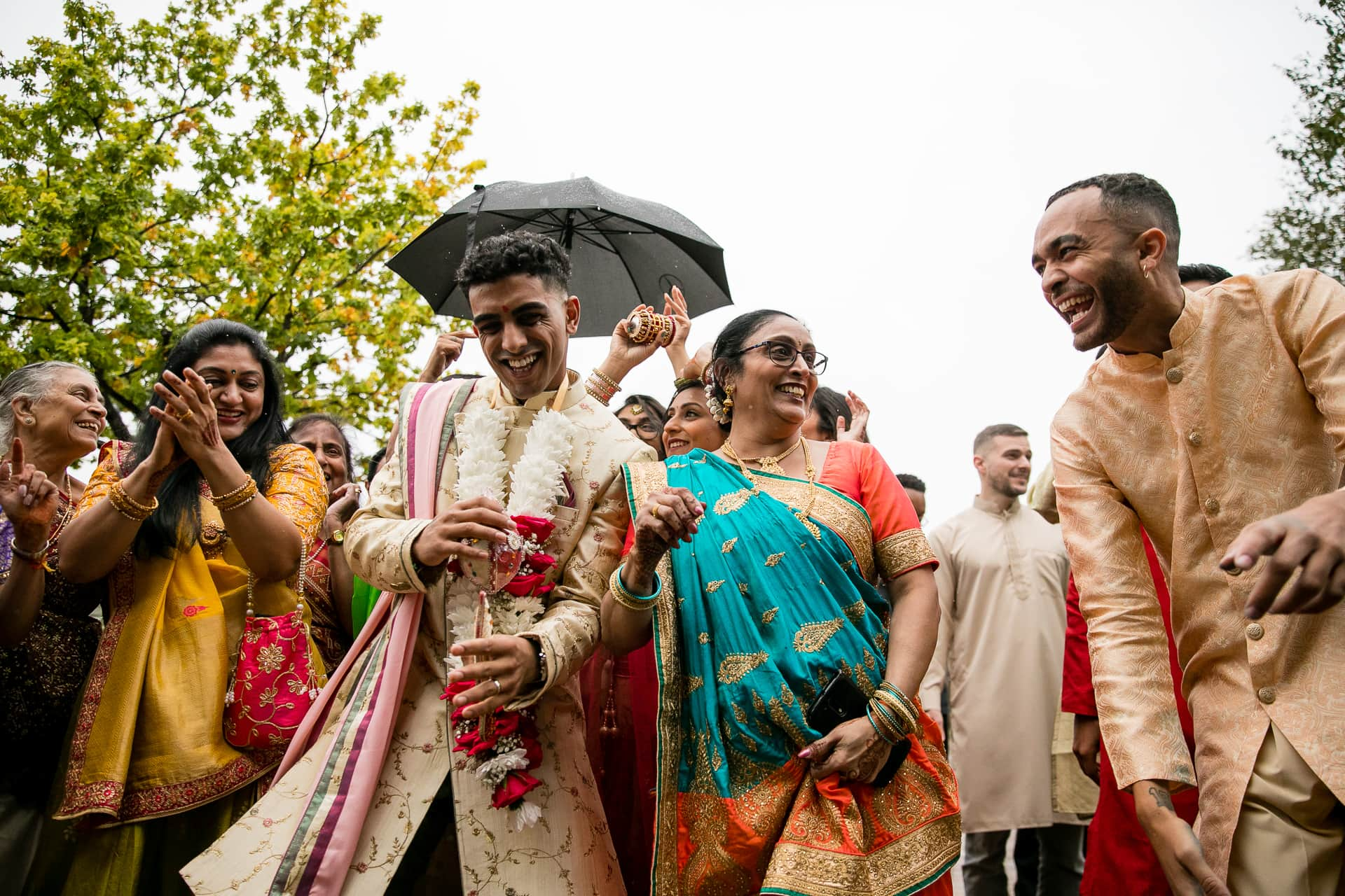 Asian wedding grooms' arrival